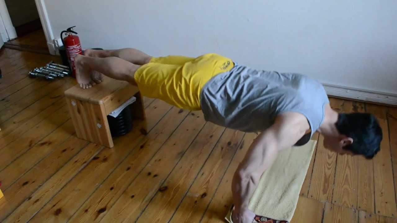 musculation maison pectoraux muscu maison. Black Bedroom Furniture Sets. Home Design Ideas