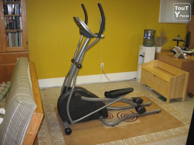 appareil elliptique vendre muscu maison. Black Bedroom Furniture Sets. Home Design Ideas